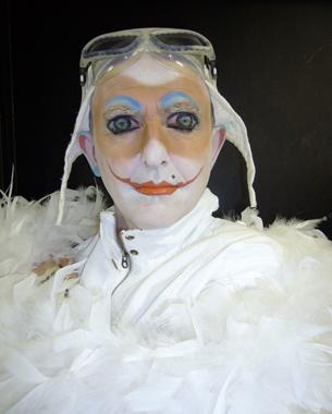 Opéra de Carl Orff mis en scène par Charlotte Nessi. Création à l'Amphithéâtre de l'Opéra Bastille